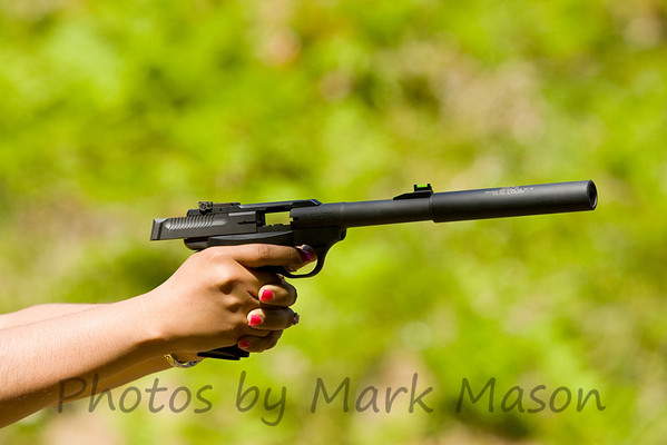 IMAGE: http://m-mason.smugmug.com/Shooting/Plinkin/Shooting-with-Edgar/LU4C0433/550605859_2nPT9-M.jpg